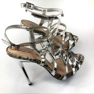 New Qupid cut out design peep toe with heels 8.5